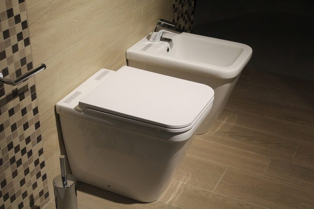 toilettes reliés à la fosse septique
