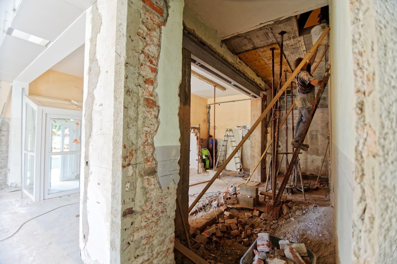 Comment anticiper l'évacuation des déchets lors d'un achat immobilier ?