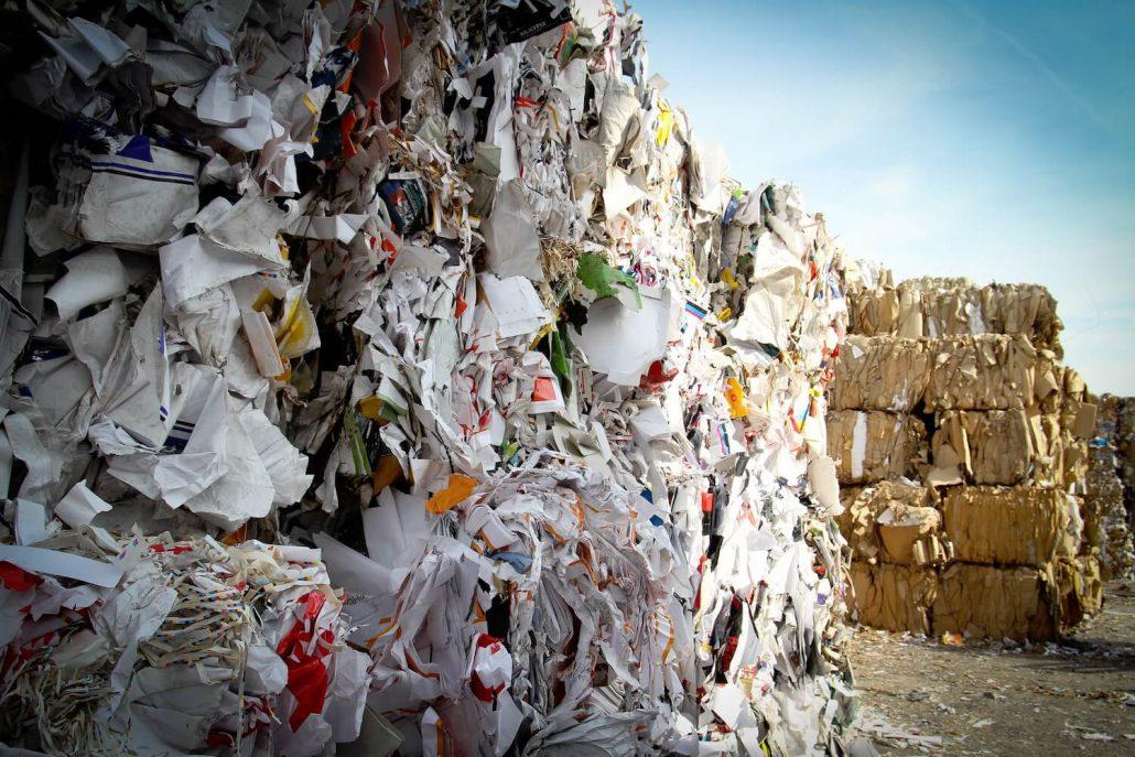 Mise en balle pour recyclage papiers et cartons