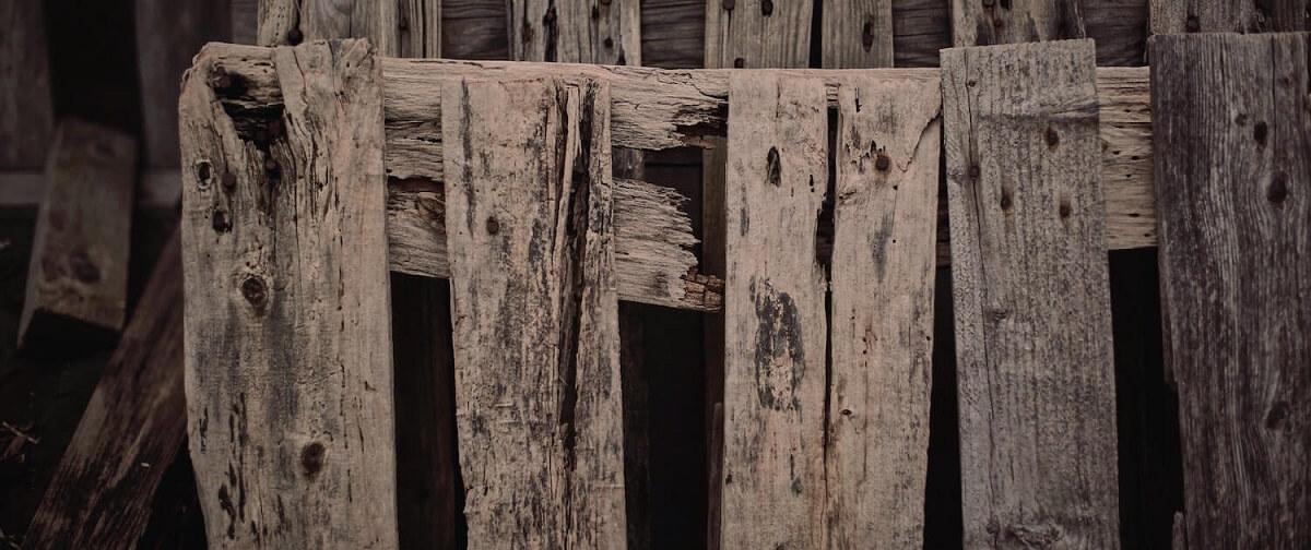 Cagettes en bois avant recyclage