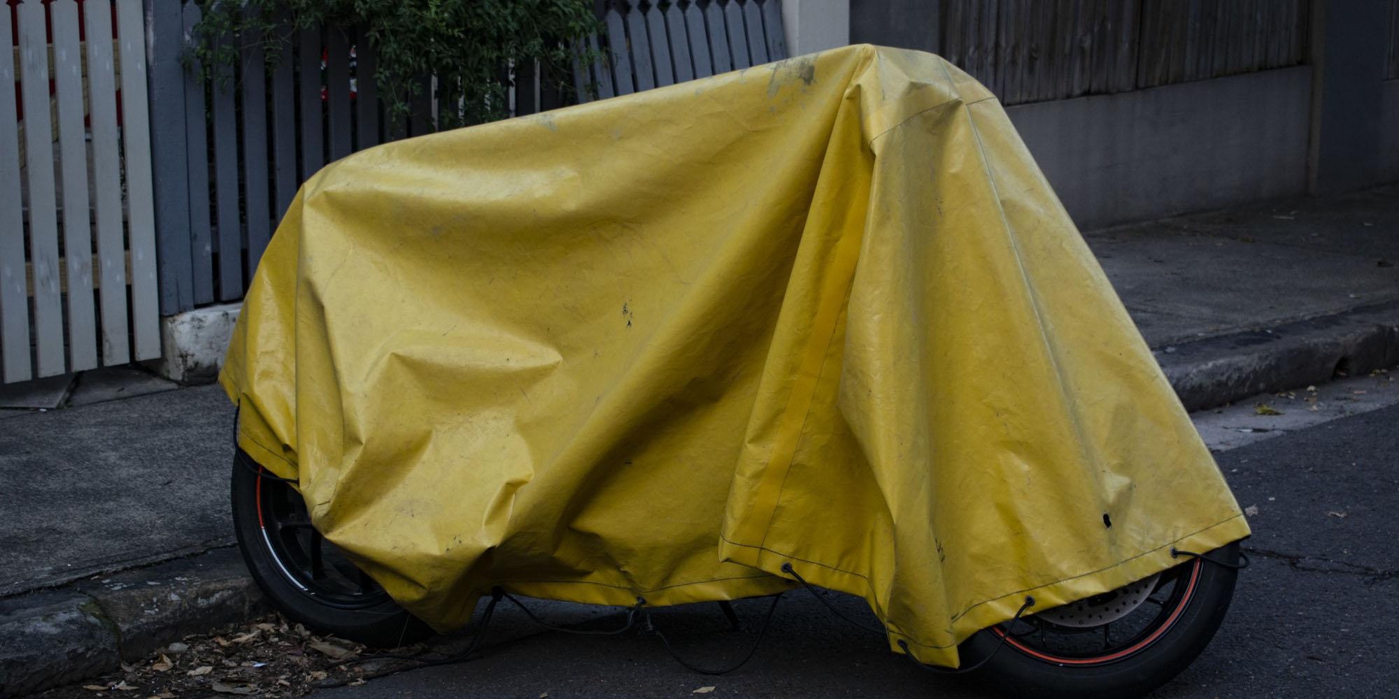 Image bâche jaune
