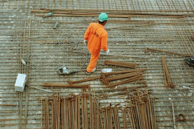 homme sur un chantier